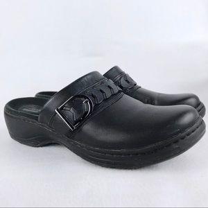 Clarks | Women's Black Leather Clogs Size 9M